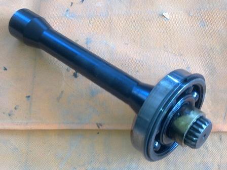 Osztóműbe szivattyú meghajtó tengely, 4x4, bontott, IFA L60