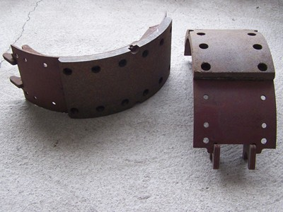 Fékpofa első tengelyhez rövid, alapm. 140mm 12db szeg. IFA L60