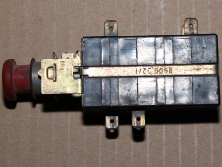 Elakadást jelző kapcsoló, bontott, IFA L60