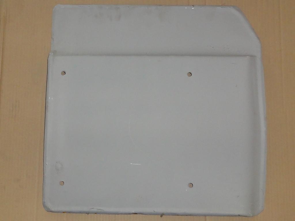 Első sárvédőlemez, jobb, fülke alatti, IFA L60