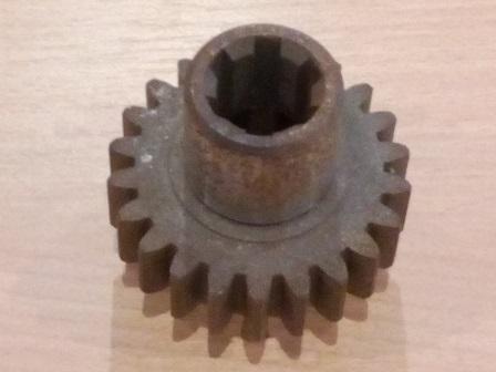 Szivattyú meghajtó fogaskerék hüvely Z=22+6, IFA L60