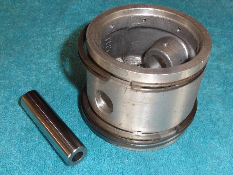 Kompresszorba dugattyú klt. d=71, német típusu, IFA W50