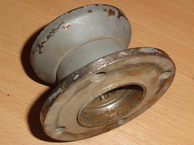 Mellékmeghajtóhoz peremes tárcsa, 4-furatos, IFA W50-L60