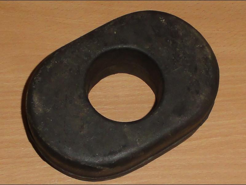 Hátsó vonószerkezethez gumipogácsa, 58x153, 50mm
