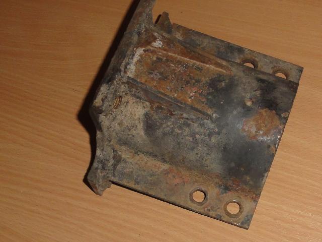 Osztóműtartó konzol, alvázra, bontott, IFA W50-L60